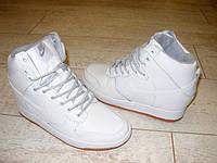 Д399 - Женские ботиночки сникерсы Nike белые