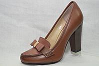 Коричневые нарядные кожаные туфли Еrisses на каблуке .Маленькие размеры.