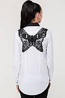 Красивая женская рубашка с бабочкой на спине