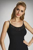 Женская бельевая майка черного цвета из хлопка на тонких бретелях, модель Kari Eldar.