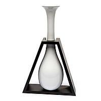 Декоративная ваза в треугольной подставке S09147A