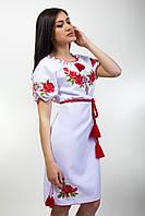 Стильное вышитое платье с поясом