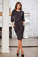 Женское черное платье в деловом стиле