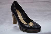 Черные кожаные туфли Bootes на каблуке и платформе с пуговицей