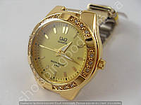 Часы Q&Q Q865J010Y женские золотистые водонепроницаемые