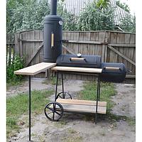 Коптильня горячего/холодного копчения Троян + стол, решетки, полка, два съемных деревянных столика