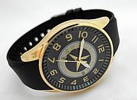 Мужские часы  Mercedes - Benz, корпус золотистый, циферблат черный