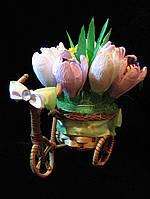 """Композиция букет цветы из конфет """"Велосипед с крокусами"""" конфеты """"Рафаэлло"""""""