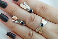 Комплект оригинальных серебряных украшений - колечко и серьги с золотыми накладками