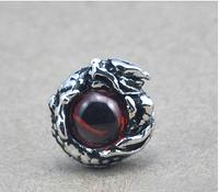 Серебряная мужская серьга Глаз Дракона гранат