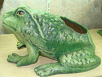 Керамическая лягушка средняя-кашпо
