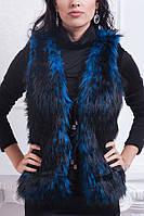 Красивая меховая жилетка на завязках в синем цвете