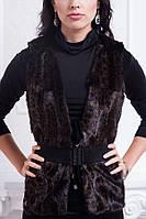 Нарядная женская жилетка из исскуственного меха с поясом