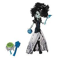 Кукла Monster High Ghouls Rule Frankie Stein Doll. Монстер Хай Френки Штейн Маскарад.