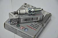 Оригинальная VW свеча зажигания на Skoda Octavia 1.8T,Superb 1.8T LongLife, VAG 101000063AA