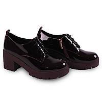 Брендовые туфли бордового цвета
