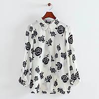 Красивая черно-белая блузка широкий рукав