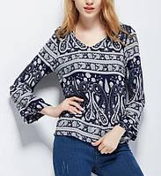 Свободная блузка с орнаментом