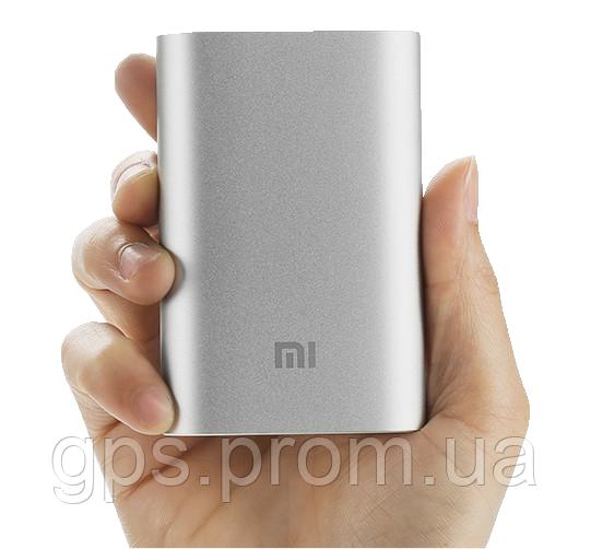 Первоклассная литий-ионная аккумуляторная батарея от компаний LG и Samsung добавляет 10000 мАч продолжительности работы встроенной по умолчанию батареи на Вашем смартфоне, планшете или цифровой камере.