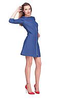 Модное женское джинсовое мини-платье на осень