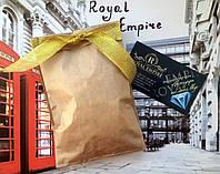 """Подарочная коробочка """"Royal Empire"""", коричневая бумажная упаковка с золотистой лентой."""