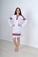 Роскошное льняное платье в украинском стиле украшено этническим орнаментом