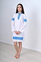 Традиционное платье вышиванка из льна украшено украинской вышивкой