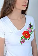 Праздничная женская футболка вышиванка оригинального кроя с маками