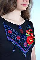 Нарядная женская футболка вышиванка с этническим орнаментом и маками
