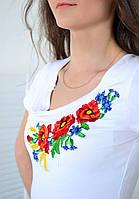 Роскошная футболка вышиванка модного кроя с полевыми цветами