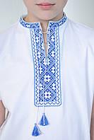 Праздничная футболка вышиванка для мальчика с синим орнаментом