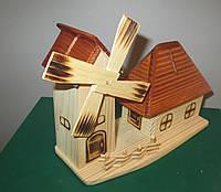Сувенир из дерева. Копилка Дом с мельницей