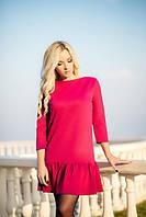 Стильное красное платье с оборкой