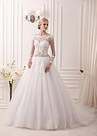 Элегантное  свадебное платье на длинный рукав со шлейфом