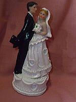 Свадебная статуэтка жених и невеста на торт 16,5 сантиметров высота