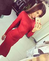 Женское красивое платье длины миди