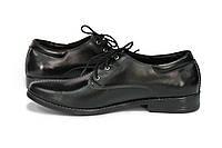 Туфли мужские черного цвета, изготовлены из натуральной кожи на шнуровке.