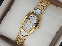 Женские кварцевые наручные часы OMAX на металлическом ремешке