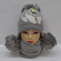 Женская зимняя шапка с шарфом серого цвета