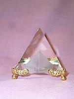 Пирамида декоративная хрустальная статуэтка фен шуй 4х3,7х3,7 сантиметров