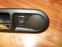 Ручка открывания замка двери и динамик в карте задней двери VW Passat B5, 2001 г.в.