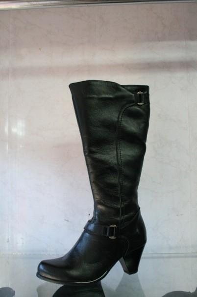 Зимний кожаный сапог