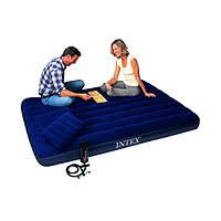 Надувной матрас Intex. Ручной насос и 2 подушки в комплекте.