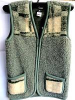 Тёплая жилетка из овчиной шерсти зелёный окрас