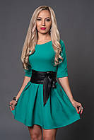 Коктельное женское платье в ярком цвете с поясом в комплекте