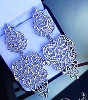 """Серьги """"Бижу""""  серебристый цвет, модный дизайн."""