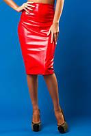 Красная юбка карандаш кожаная