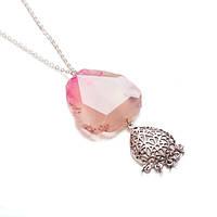 Ожерелье с розовым агатом на цепочке с металлическим кулоном