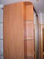 Шкаф в прихожую с развернутым углом
