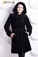 Женская Шикарная шуба из эко-меха под каракуль с капюшоном и поясом, подчеркивающим талию. Артикул: 211-к